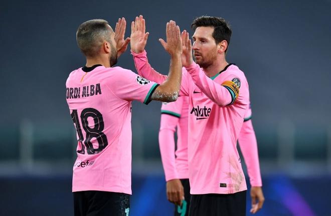 Barcelona nhấn chìm Juventus trong ngày vắng mặt Ronaldo tại Champions League