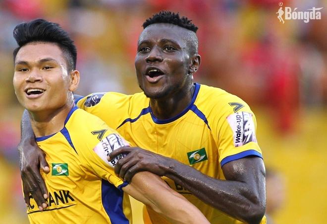 Chuyển nhượng V-League: SLNA cân nhắc đầu tư để trụ hạng