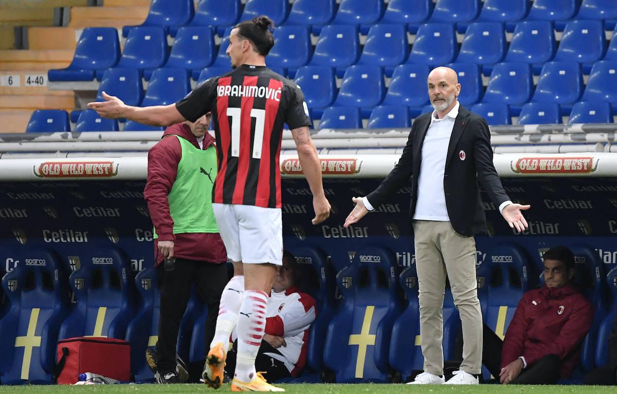 """Zlatan Ibrahimovic """"vô cớ"""" nhận thẻ đỏ trong chiến thắng 3-1 của Milan trước Parma"""