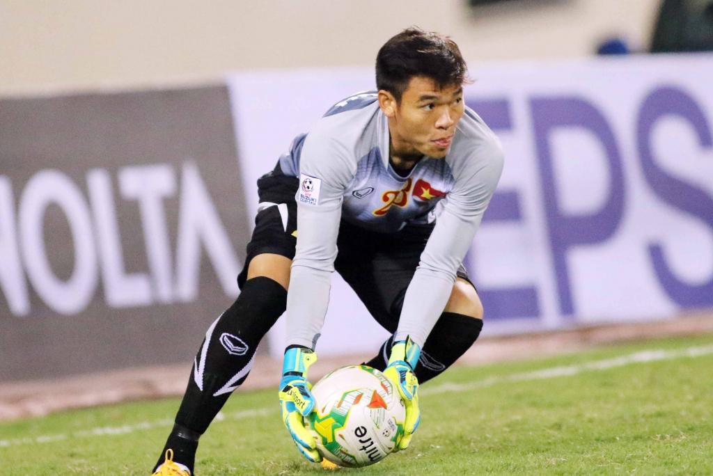 Nguyên Mạnh là thủ môn xuất sắc nhất V-League 2020