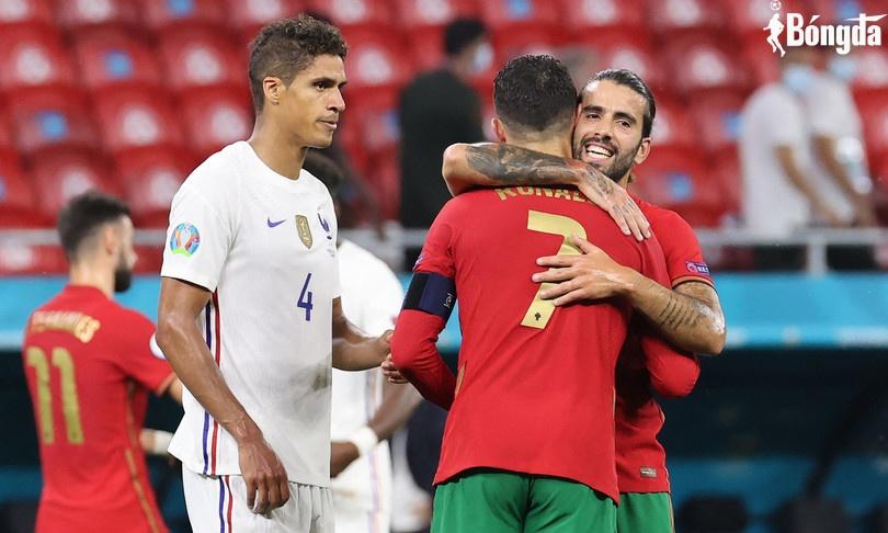 EURO 2020: Ronaldo thiết lập kỷ lục, Bồ Đào Nha vượt qua cửa tử