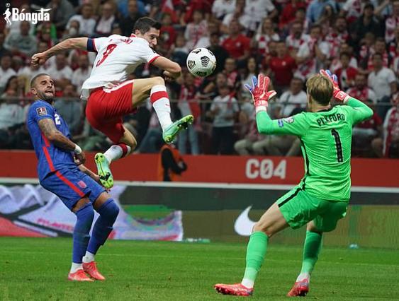 Ba Lan cắt chuỗi toàn thắng Anh ngay phút bù giờ, tạo cục diện cực căng lúc cuối trận