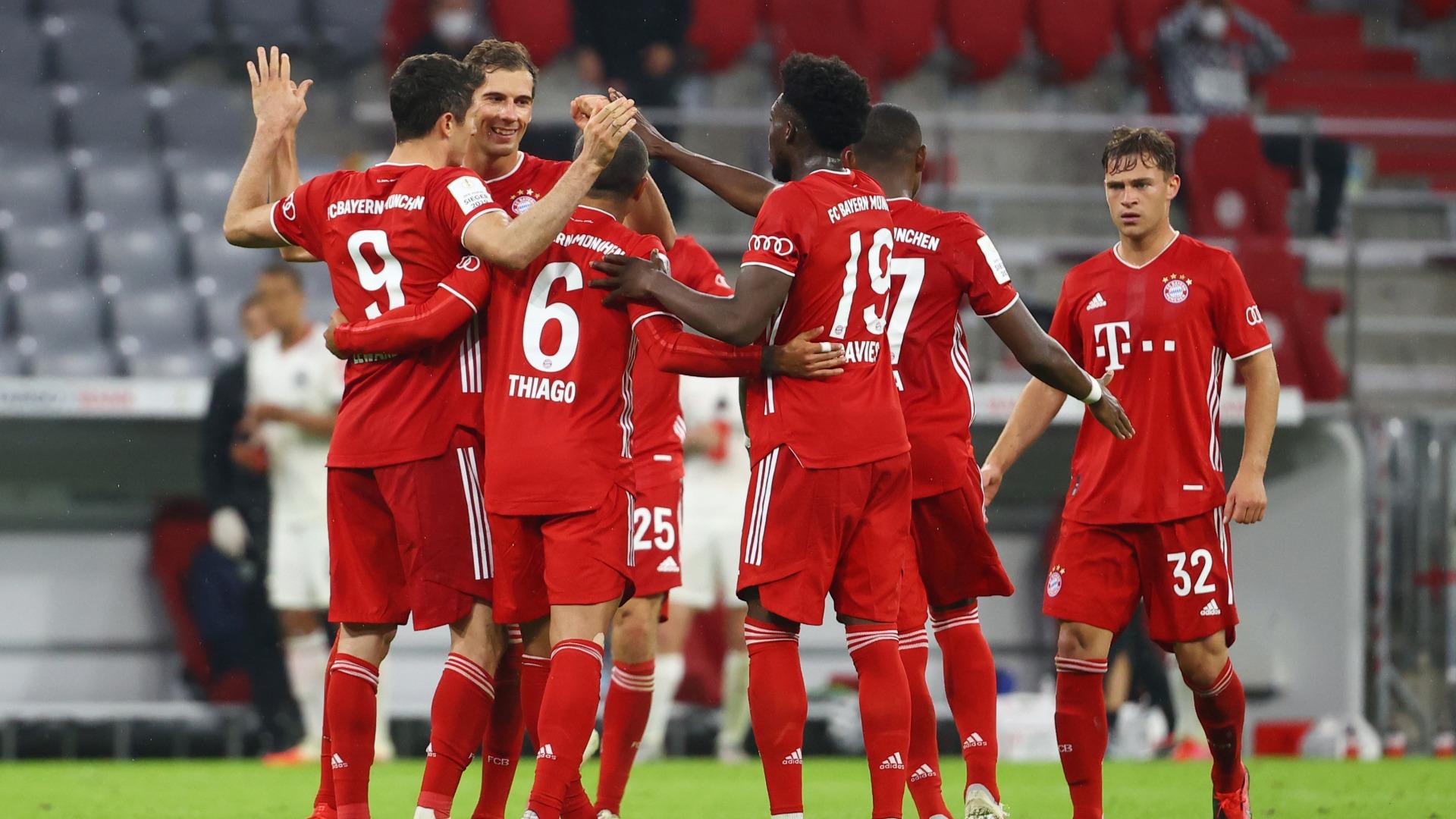 Bayern Munich huỷ diệt đối thủ Frankfurt với tỷ số 5-0