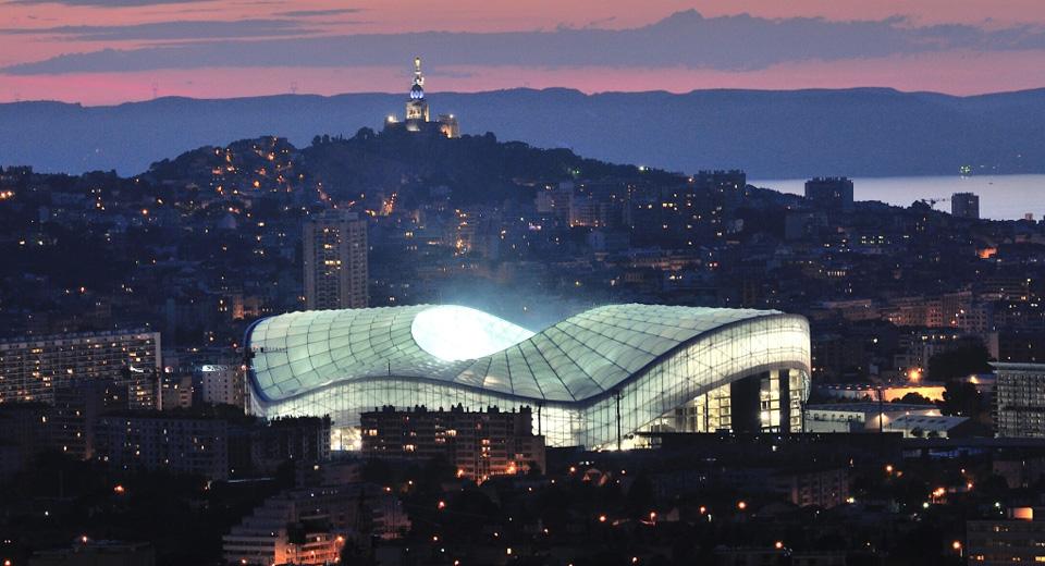 Thị trưởng muốn bán sân vận động Marseille