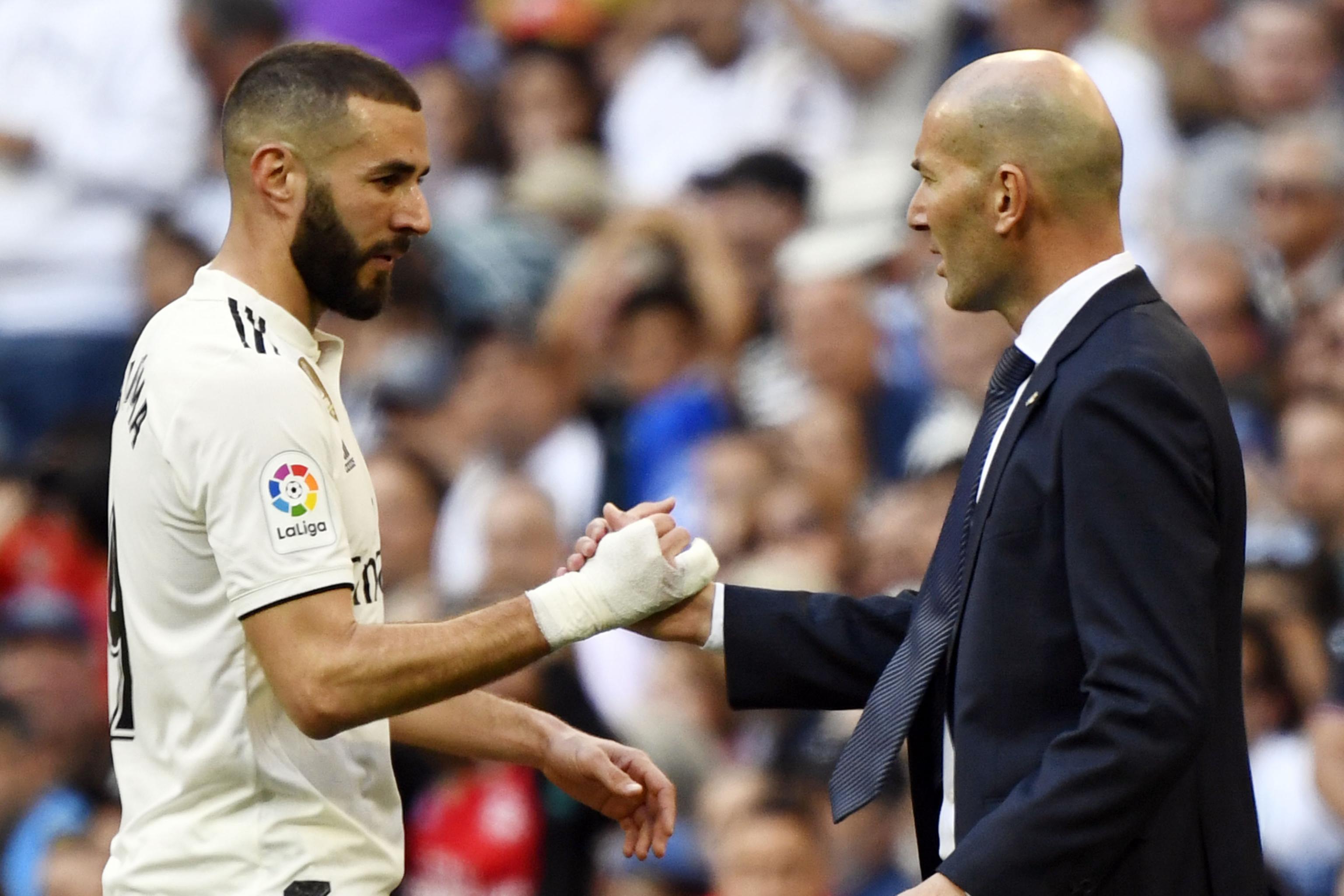 Benzema được HLV Zidane vinh danh là tiền đạo người Pháp vĩ đại nhất mọi thời đại
