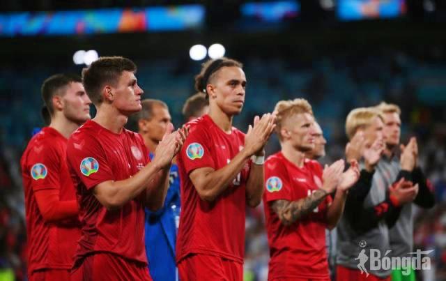 EURO 2020: Các cầu thủ Đan Mạch được chào đón như người hùng tại quê nhà