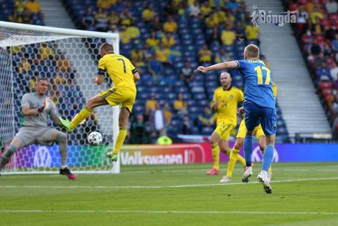 EURO 2020: Vượt Thuỵ Điển, Ukraine lách qua khe cửa hẹp lọt tứ kết