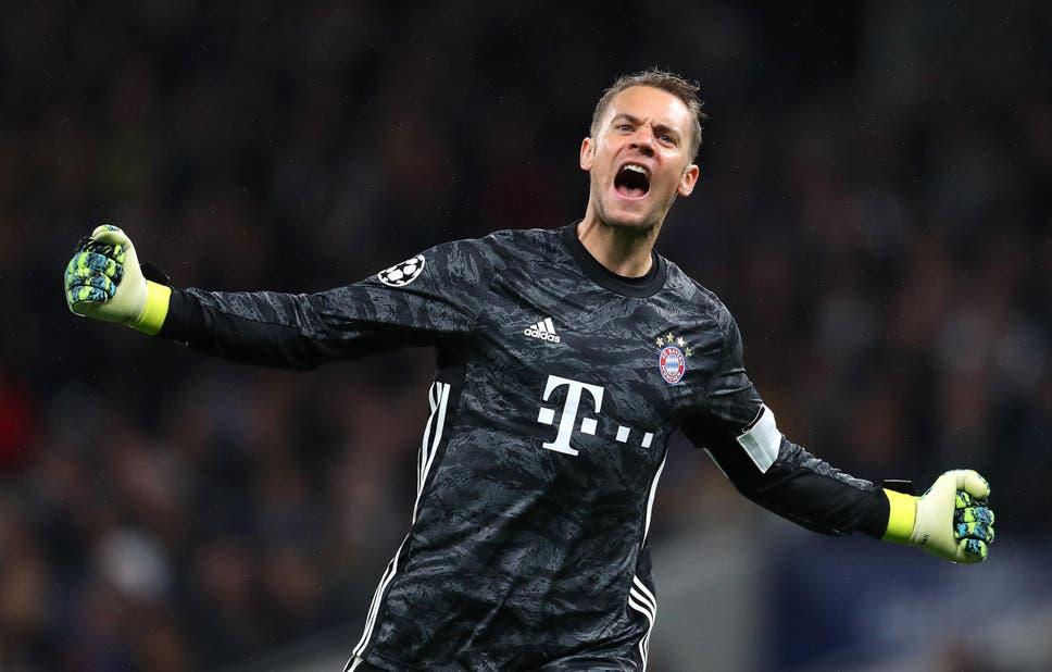 Manuel Neuer của Bayern Munich sánh ngang kỷ lục do Oliver Kahn nắm giữ
