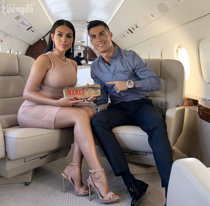 Vợ Ronaldo là ai mà khiến Á hậu Mâu Thuỷ ngưỡng mộ?