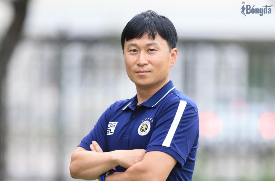 Chuyển nhượng V-League 2021:  Hà Nội FC bổ sung gấp đồng hương HLV Park Hang Seo vào Ban huấn luyện