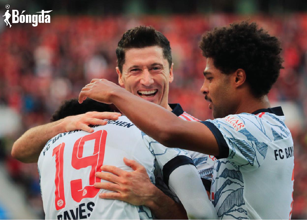 Huỷ diệt Bayer Leverkusen 5-1, Bayern Munich trở lại ngôi đầu Bundesliga