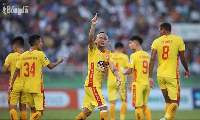 """Chấn động V-League : Thanh Hoá """"thay tướng như thay áo"""""""