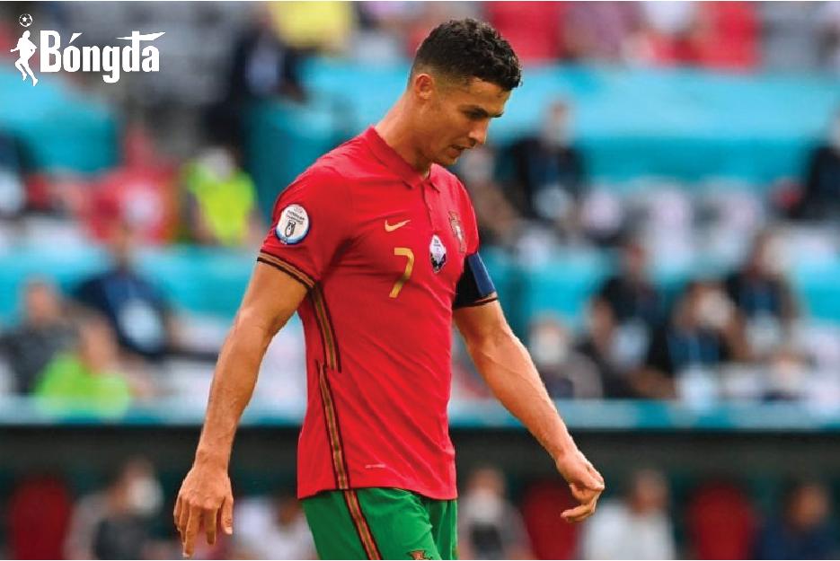 EURO 2020: Ghi bàn thắng lịch sử, Ronaldo không gánh nổi Bồ Đào Nha