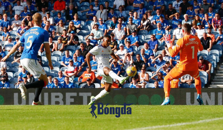 Real Madrid thua đau trước Rangers trong trận ra mắt của HLV Ancelotti