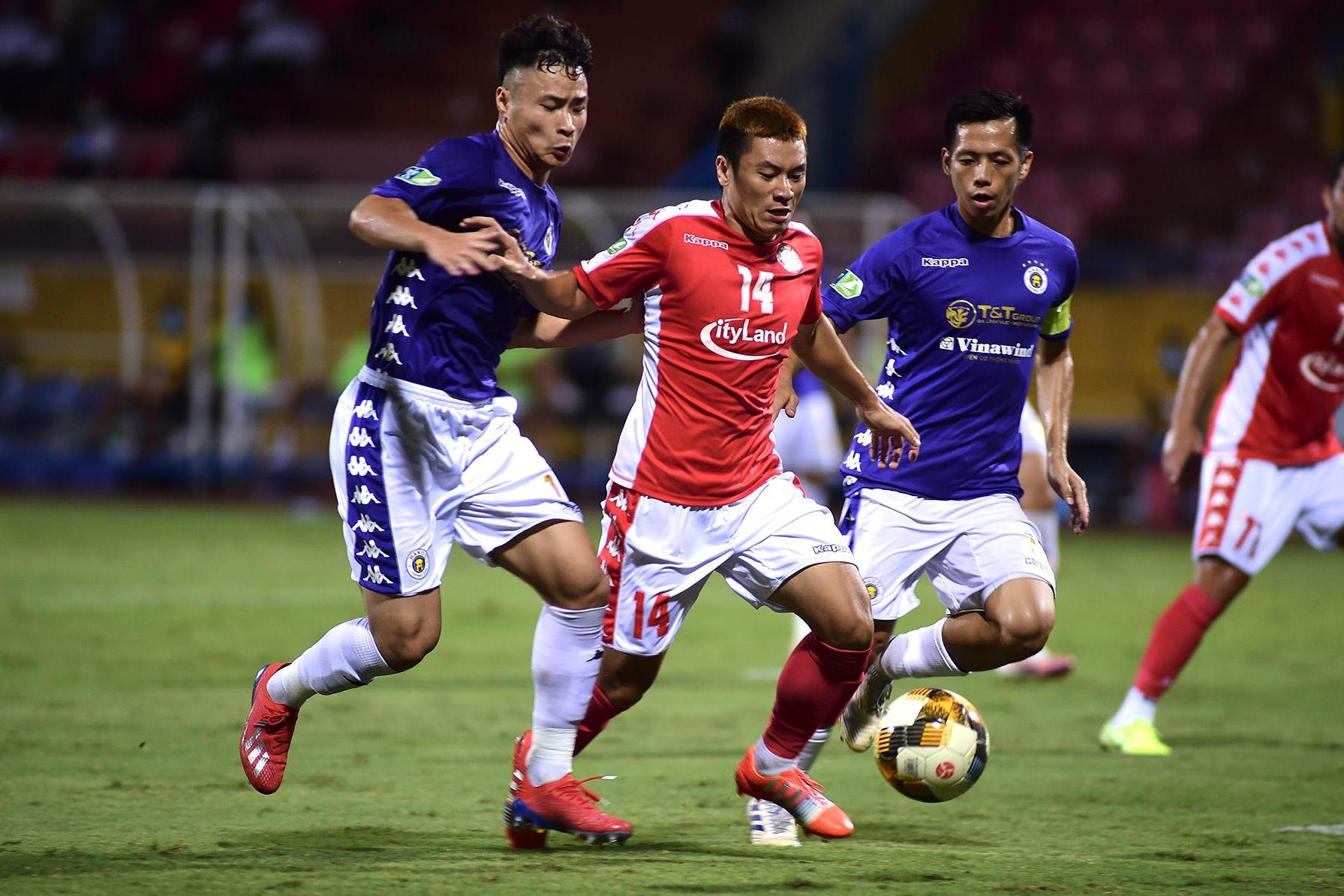 Hà Nội FC lo hàng thủ trước V-League 2021