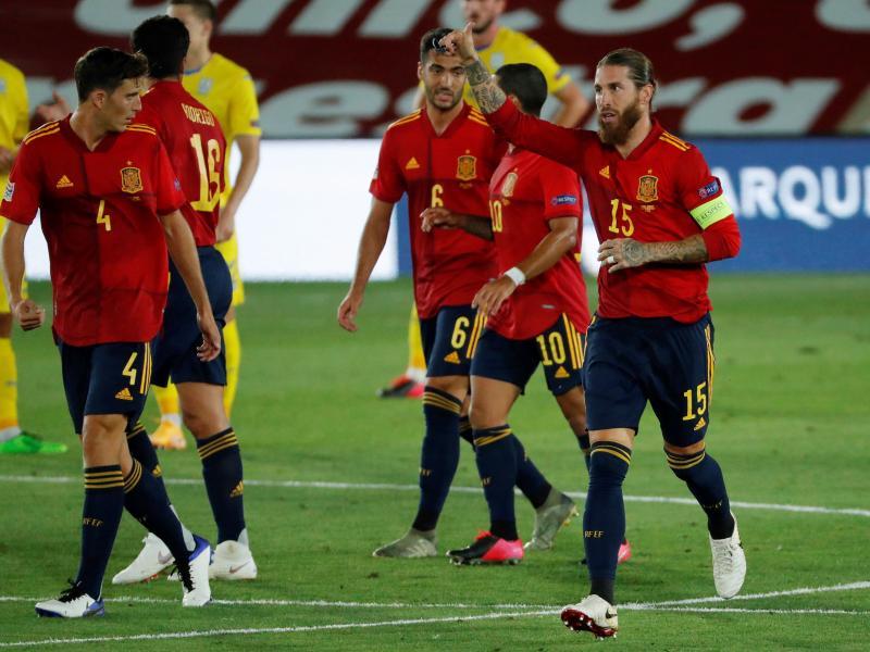 Thụy Sĩ 1-1 Tây Ban Nha: Gerard Moreno cứu trận hòa muộn sau cú đúp phạt đền thất bại của Ramos