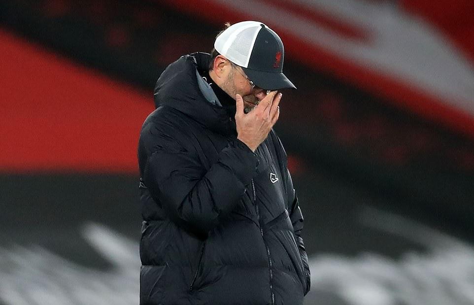 Klopp đổ lỗi trận thua Southampton cho những quả penalty và sai lầm của Alexander-Arnold