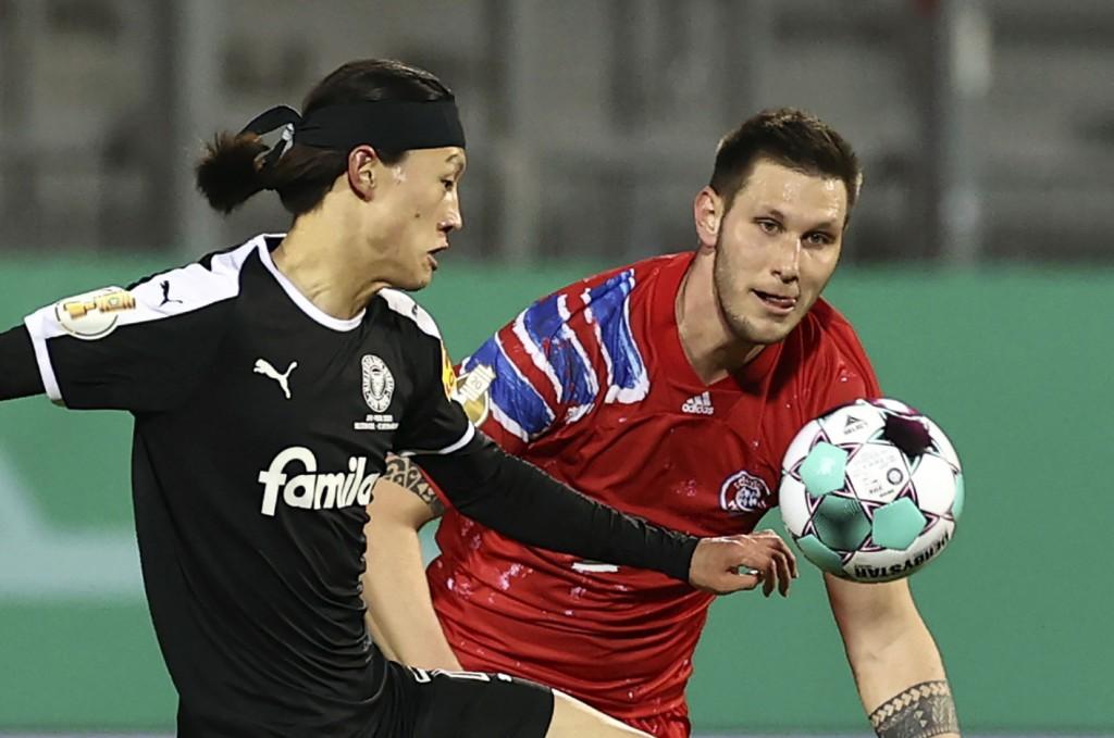 """""""Sule giống như một bức tường thành vậy!"""" - Jae-Sung Lee của Holstein Kiel lâng lâng sau khi đánh bại Bayern Munich"""