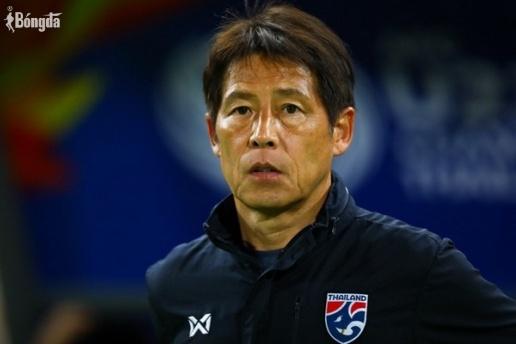 HLV Nishino bị sa thải, HLV Kiatisak dẫn dắt ĐT Thái Lan?