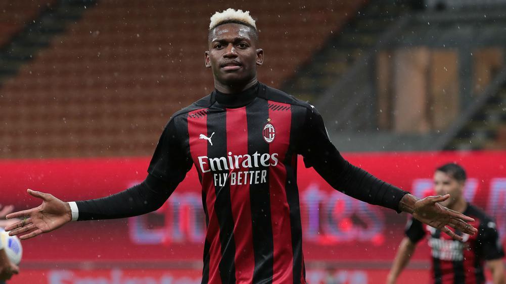 Sao trẻ tỏa sáng, Milan lên Top 2