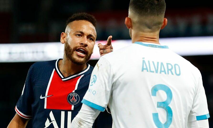 Neymar bị treo giò 2 trận sau cú đấm đầu vào hậu vệ của Marseille