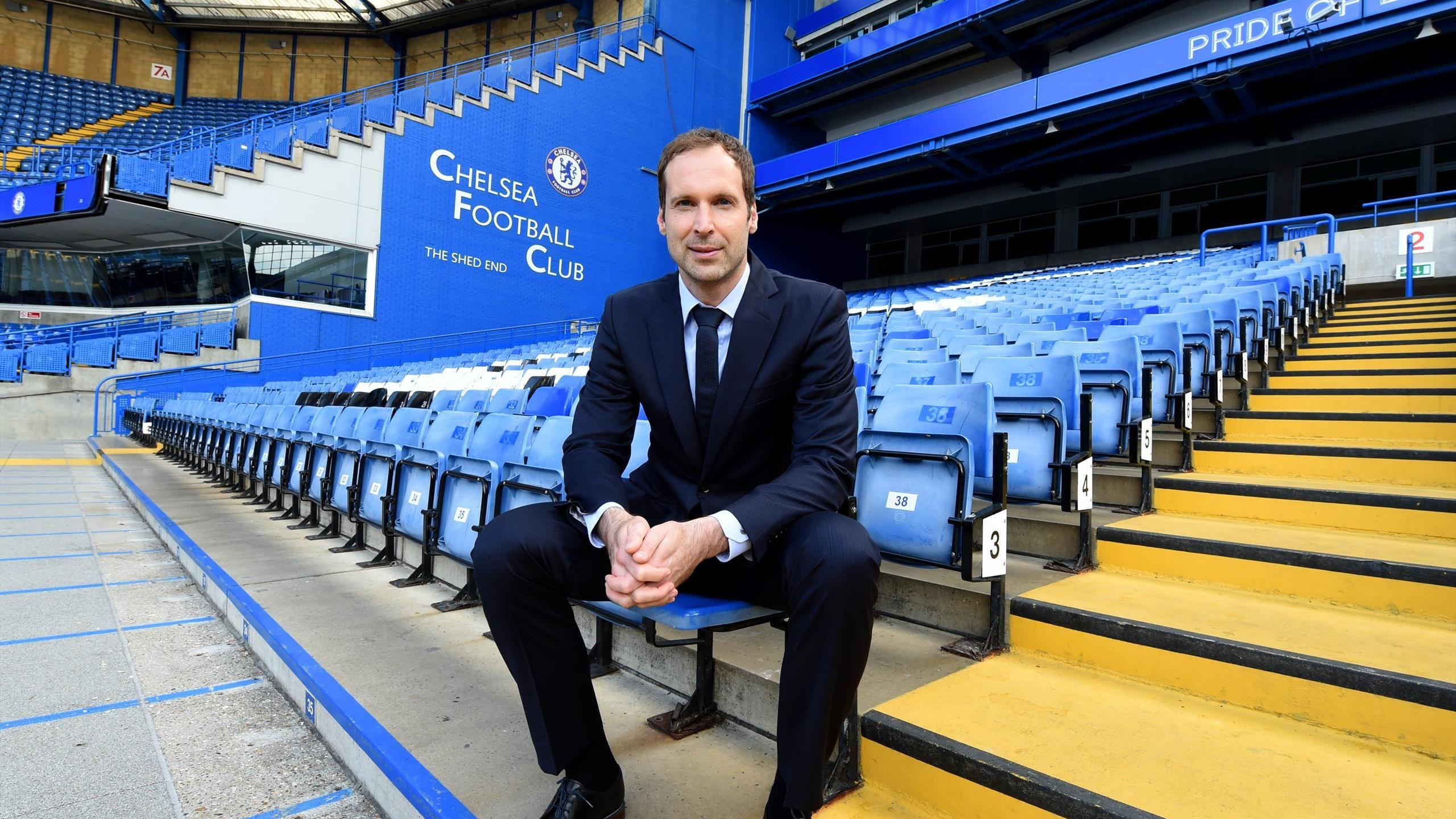 Petr Cech đánh giá cao kinh nghiệm Champions League của HLV Chelsea