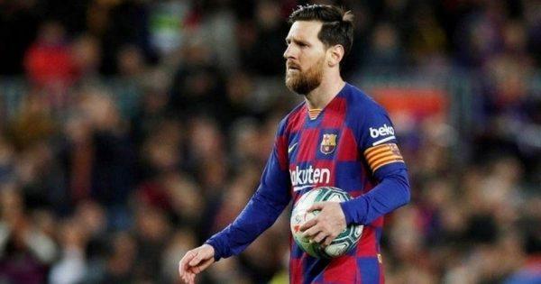 Barcelona không thể bán Messi vào tháng Giêng