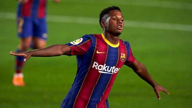 """""""Tài không đợi tuổi"""" Fati vượt mặt Messi vinh danh ở La Liga"""