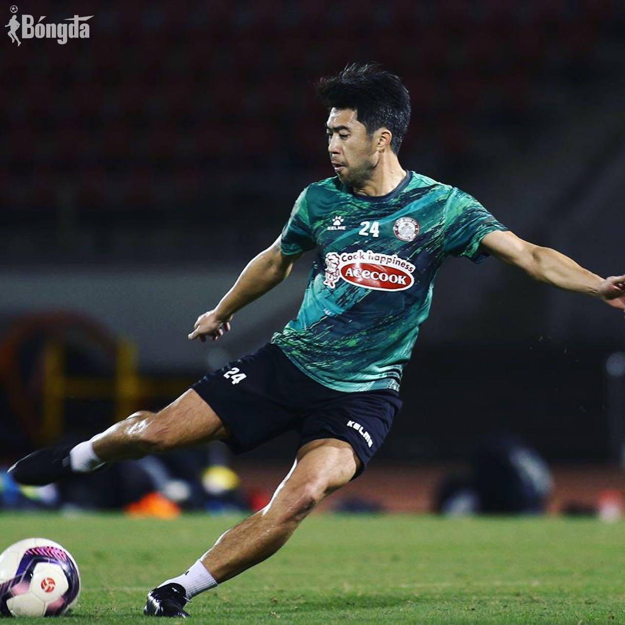 """Lee Nguyễn và """"sợi dây tơ hồng"""" gắn kết với V-League"""