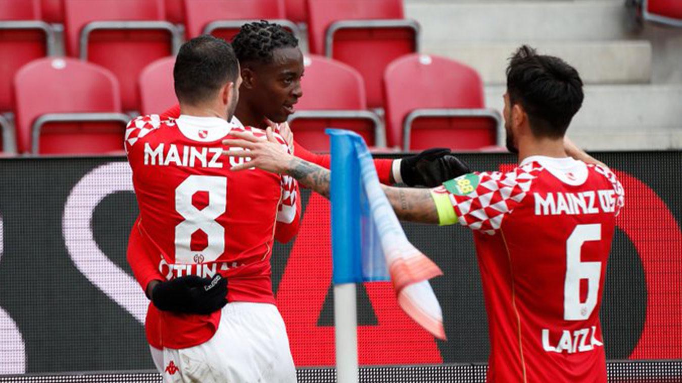 Jean-Philippe Mateta lập hat-trick giúp Mainz giành chiến thắng trước Freiburg