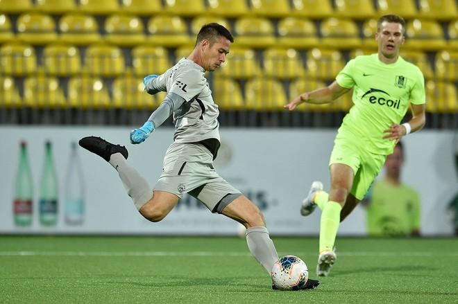 Filip Nguyễn cùng Slovan Liberec thắng đậm tại vòng loại Europa League