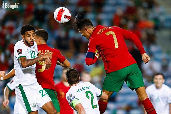 Ronaldo phá kỷ lục vĩ đại, Bồ Đào Nha lật kèo thắng ngược Ireland