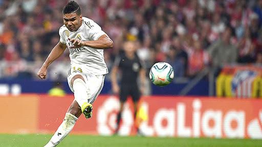 Casemiro có tên trong đội hình Real Madrid cho chuyến làm khách đến Milan