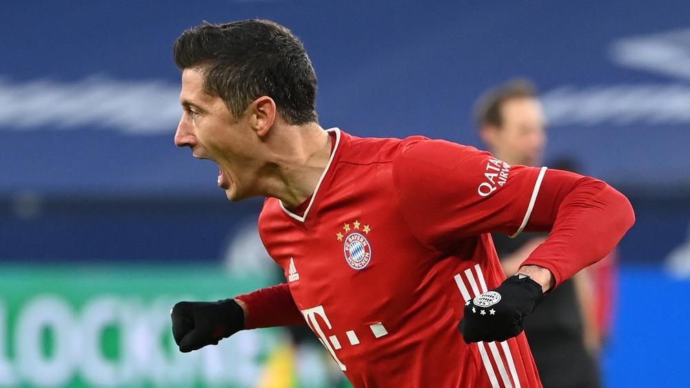 """Robert Lewandowski tiết lộ """"hint"""" về việc gia hạn hợp đồng với Bayern Munich"""