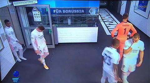 Nội bộ Real Madrid lục đục, Benzema nói xấu sau lưng Vinicius