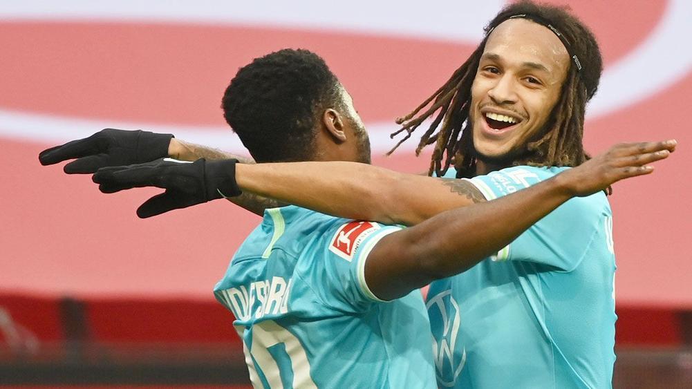 Wolfsburg đánh bại Leverkusen 1-0 để leo lên top 4 Bundesliga
