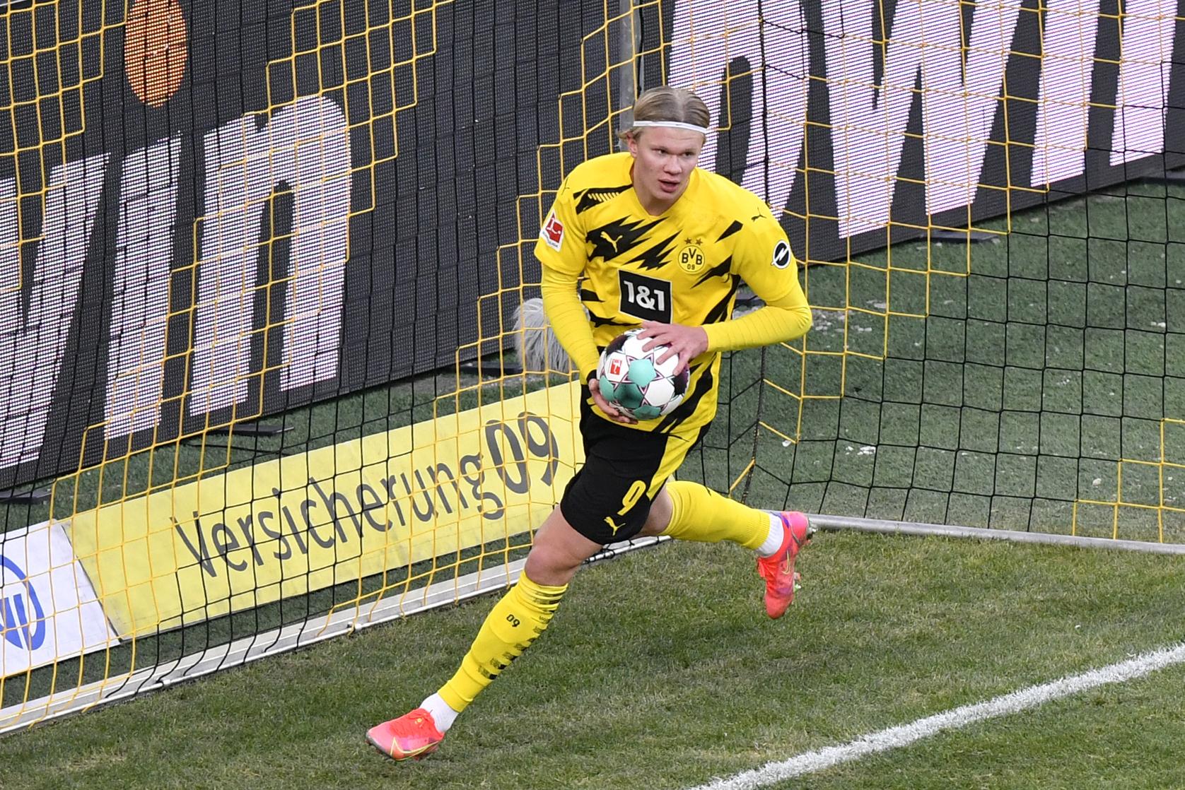 """Haaland của Dortmund cho rằng quả phạt đền thứ 2 chính là """"nghiệp chướng"""" của Sevilla"""