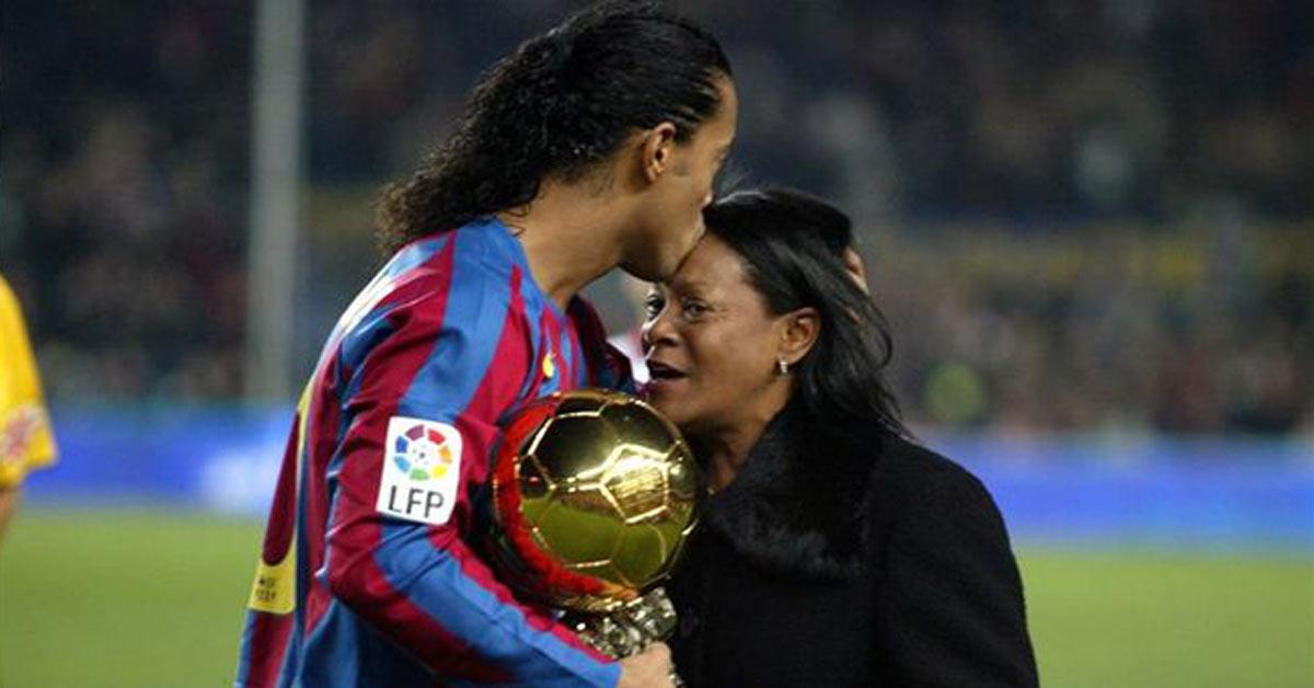 Mẹ của Ronaldinho đã trút hơi thở cuối cùng tại Brazil