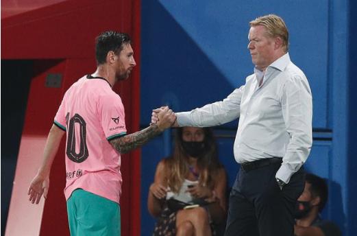 Messi và HLV Koeman bắt tay sau trận đấu
