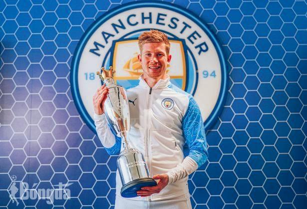 """Cầu thủ xuất sắc nhất năm PFA: Kevin de Bruyne của Manchester City """"sánh ngang"""" Cristiano Ronaldo"""
