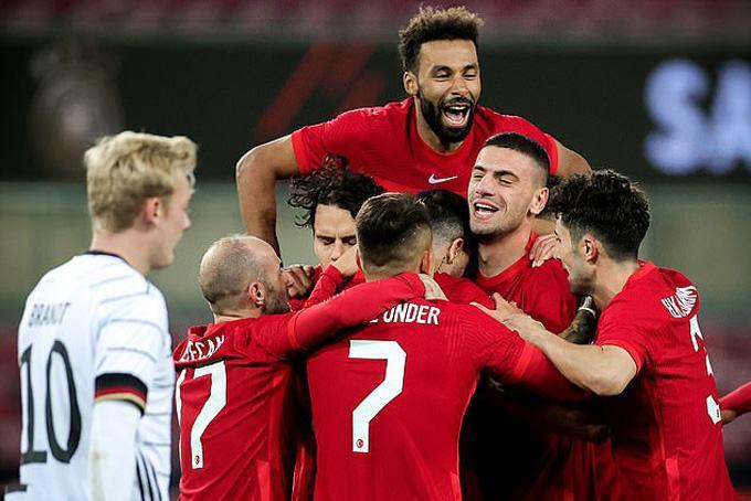 Đức hoà Thổ Nhĩ Kỳ sau 94 phút thi đấu