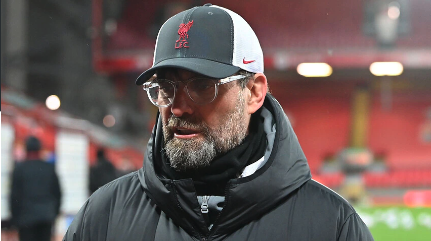 Klopp thừa nhận thi đấu trên một sân Anfield rỗng khiến Liverpool thiếu tự tin