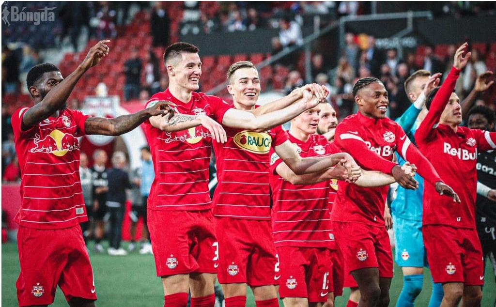 RB Salzburg đánh bại 2-1 Lille, chiễm ngôi đầu bảng G Champions League