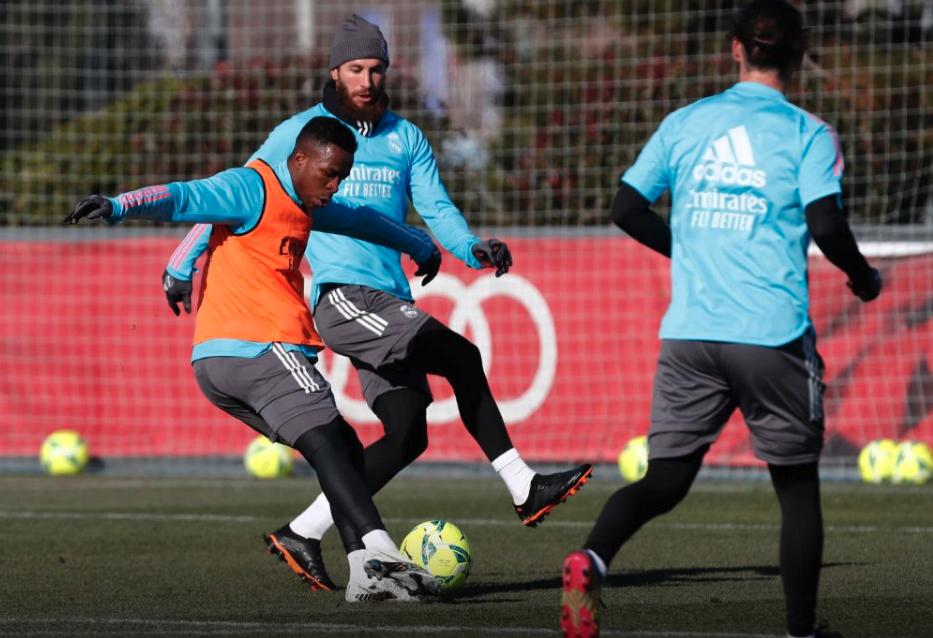 Real Madrid trở lại tập luyện mà không có Carvajal