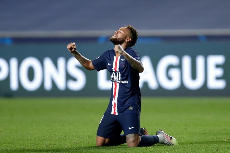Neymar chỉ xếp thứ tư trong Top 5 cầu thủ vĩ đại Champions League