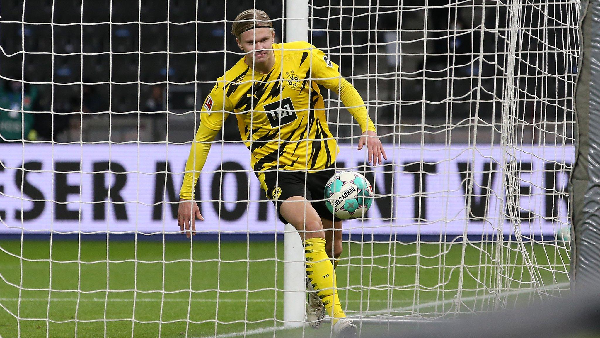Erling Haaland lập cú poker giúp Dortmund ngược dòng ngoạn mục
