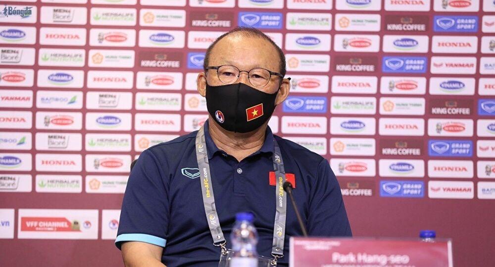 """Úp mở chuyện gia hạn, HLV Park đưa lời """"cảnh báo"""" vòng loại thứ ba World Cup 2022"""