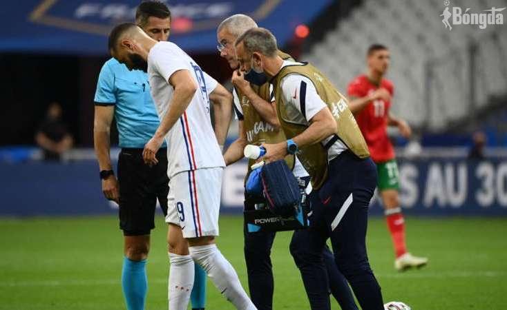 Karim Benzema gặp chấn thương nghiêm trọng trong chiến thắng 3-0 của Pháp
