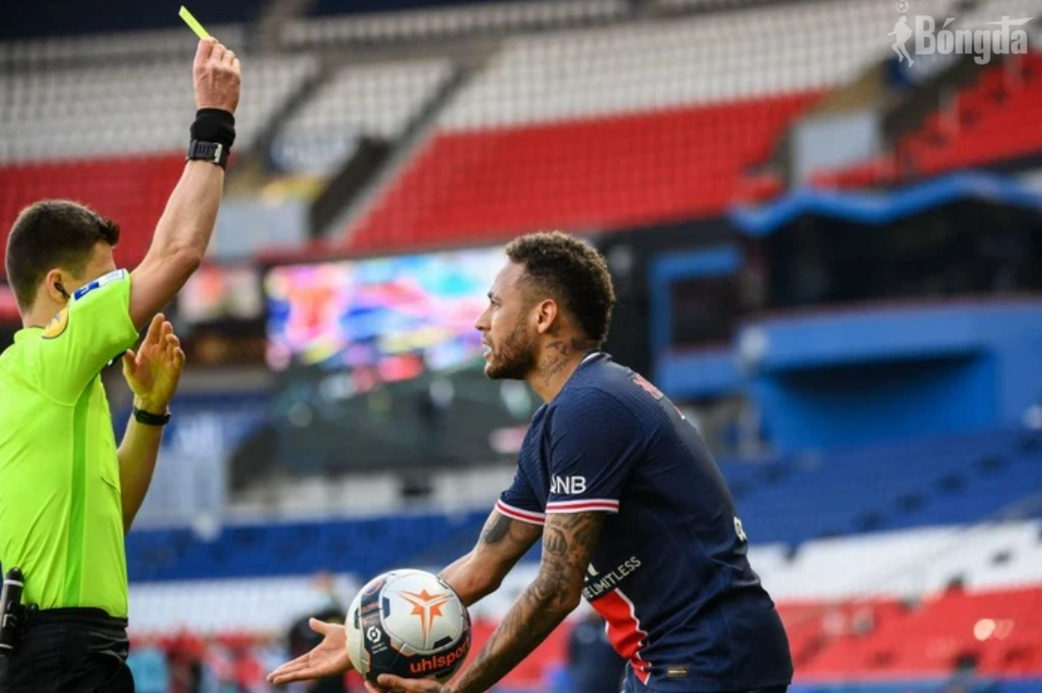 Neymar lập kỷ lục án treo chỉ trong 14 lần ra sân