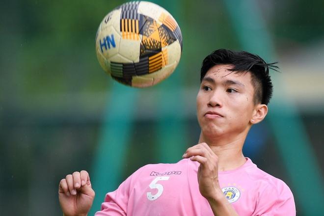 Đoàn Văn Hậu chưa đủ điều kiện thi đấu cho CLB Hà Nội